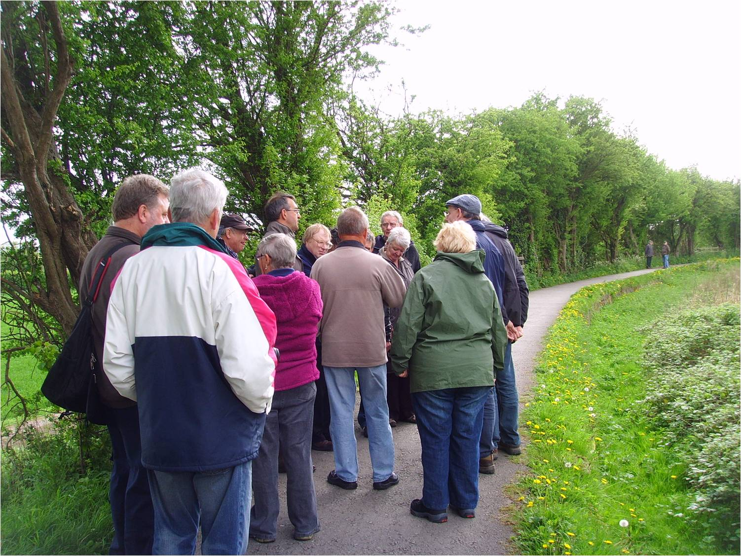 One of the walking parties on the Northern Canal Meeting at Swarkestone in April